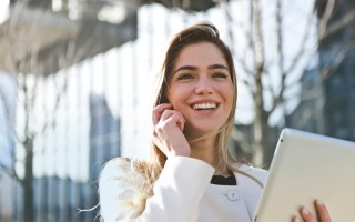businesswoman-call-career