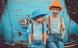 boys-car-children-1094083 (1)