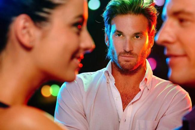 celos-infidelidad-relaciones-pareja-y-sexualidad-phronesis-el-arte-de-saber-vivir